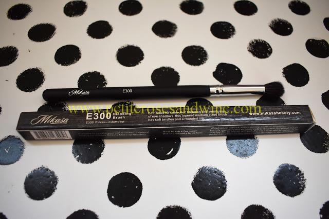 MikasaE300Blendingbrush Mikasa Beauty Brushes:: Complete Eye Set & Lemon Drop Review MAKEUP