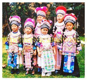 39537_449304362093_763659_n-300x274 Carolyn Chang Hmong Sayaboury Phuam Outfit