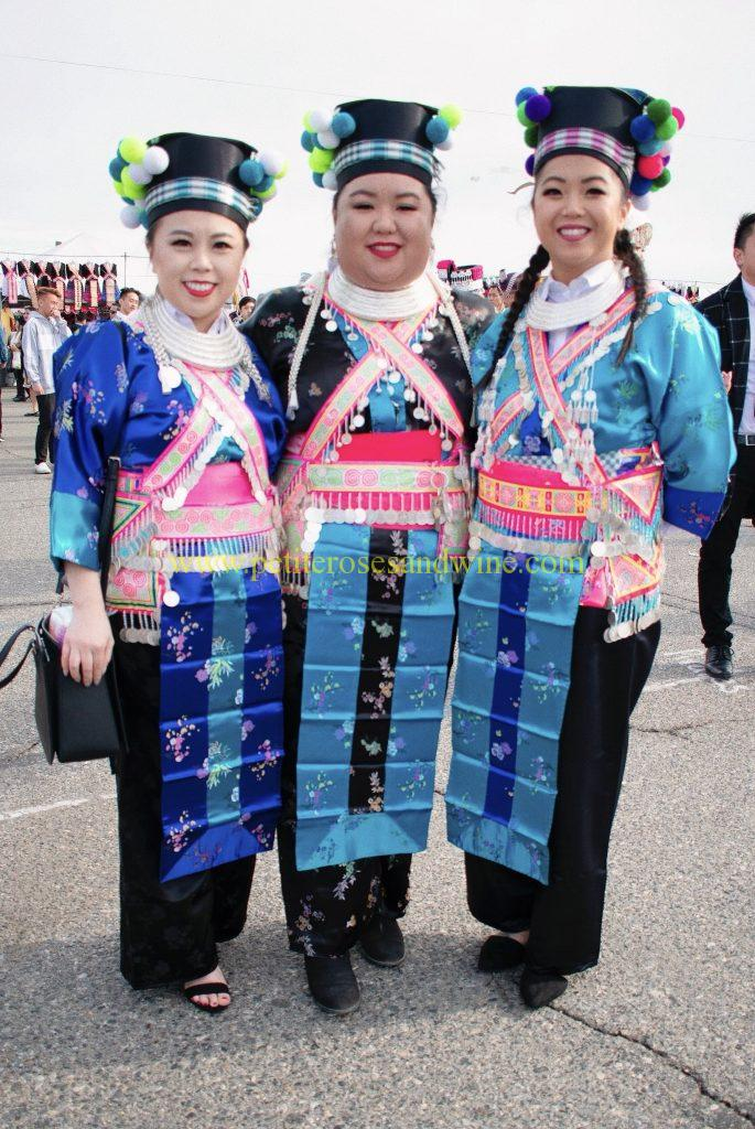 Hmong-New-Year-Day-01-04-685x1024 Fresno Hmong New Year :: Outfits & End of a Decade HMONG OUTFITS